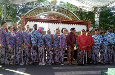 The Annual Cultural Event of Kulon Progo Regency: Three International Students of IPIEF invited to attending Nyadran Agung 2019 with Regent of Kulon Progo